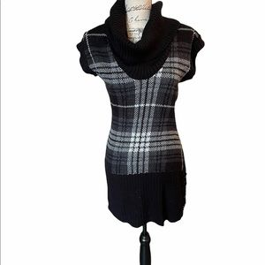 Rue 21 fitted sleeveless sweater cowl neck